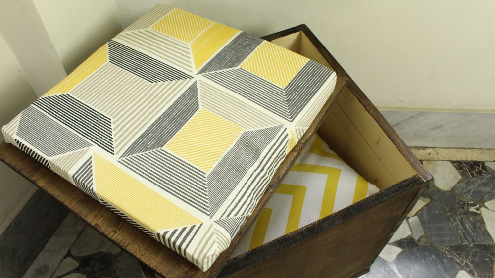 Miraculous How To Build A Storage Ottoman From Wood Inzonedesignstudio Interior Chair Design Inzonedesignstudiocom