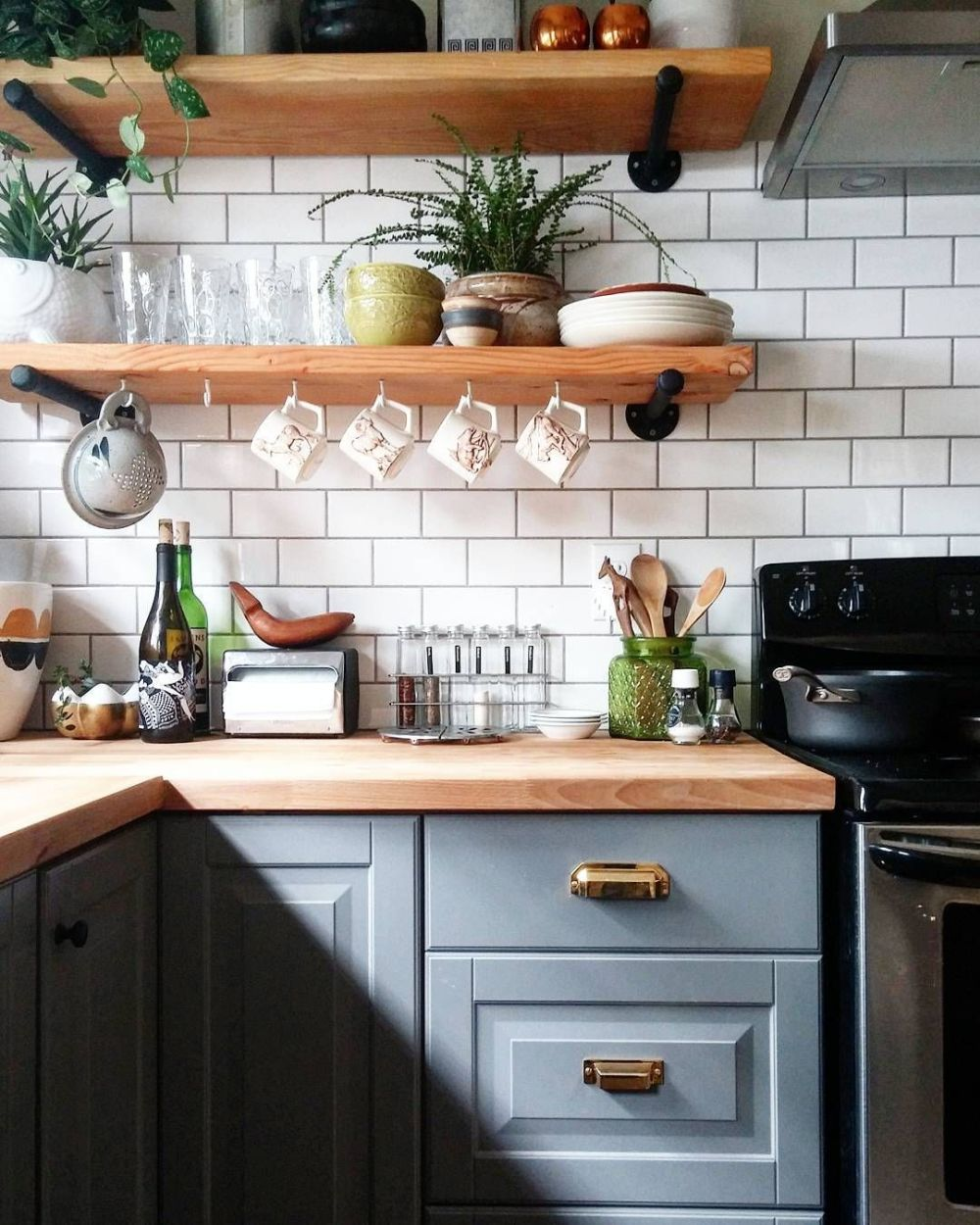 How To Style Your Open Kitchen Shelving