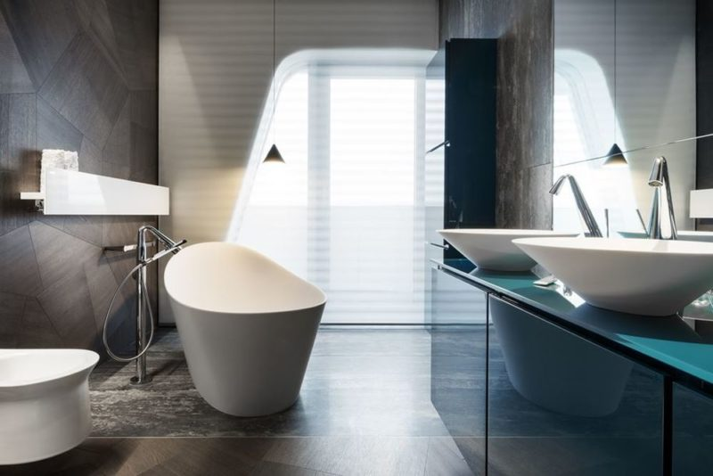 Gorgeous Bathrooms With Freestanding Tub Focal Points