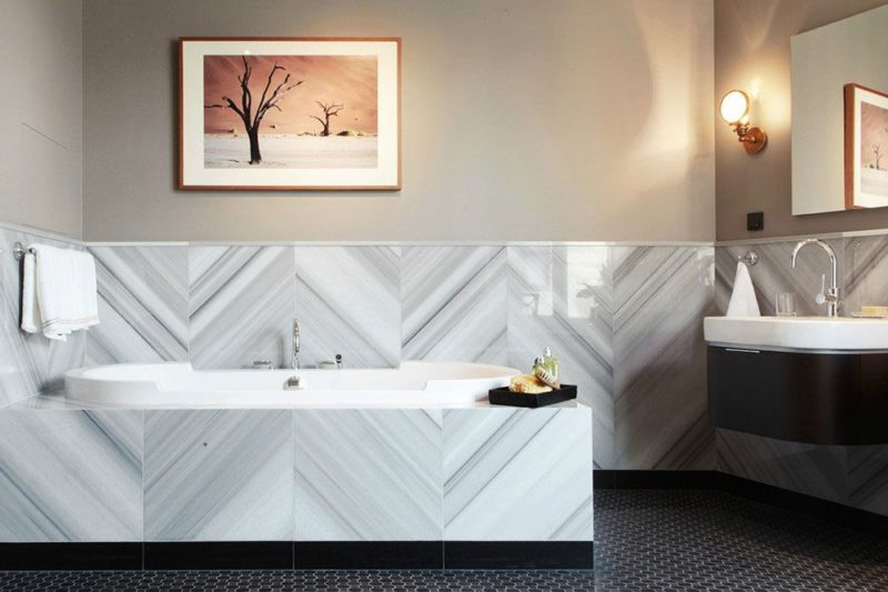 Stylish Ways To Use The Herringbone Tile Pattern In Modern Interior Design