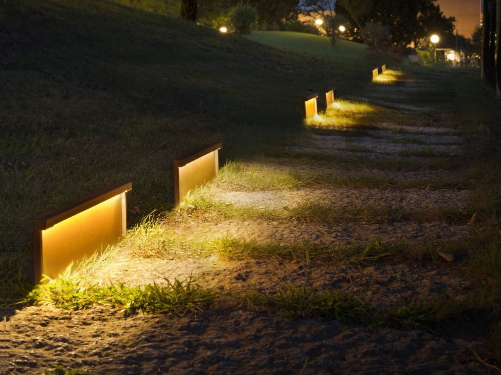 Gorgeous Outdoor Lighting Ideas That Bring Magic Into The