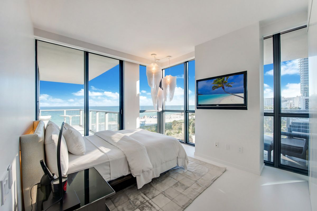 The bedrooms are exposed to wonderful views as well and their interior designs are simple and view