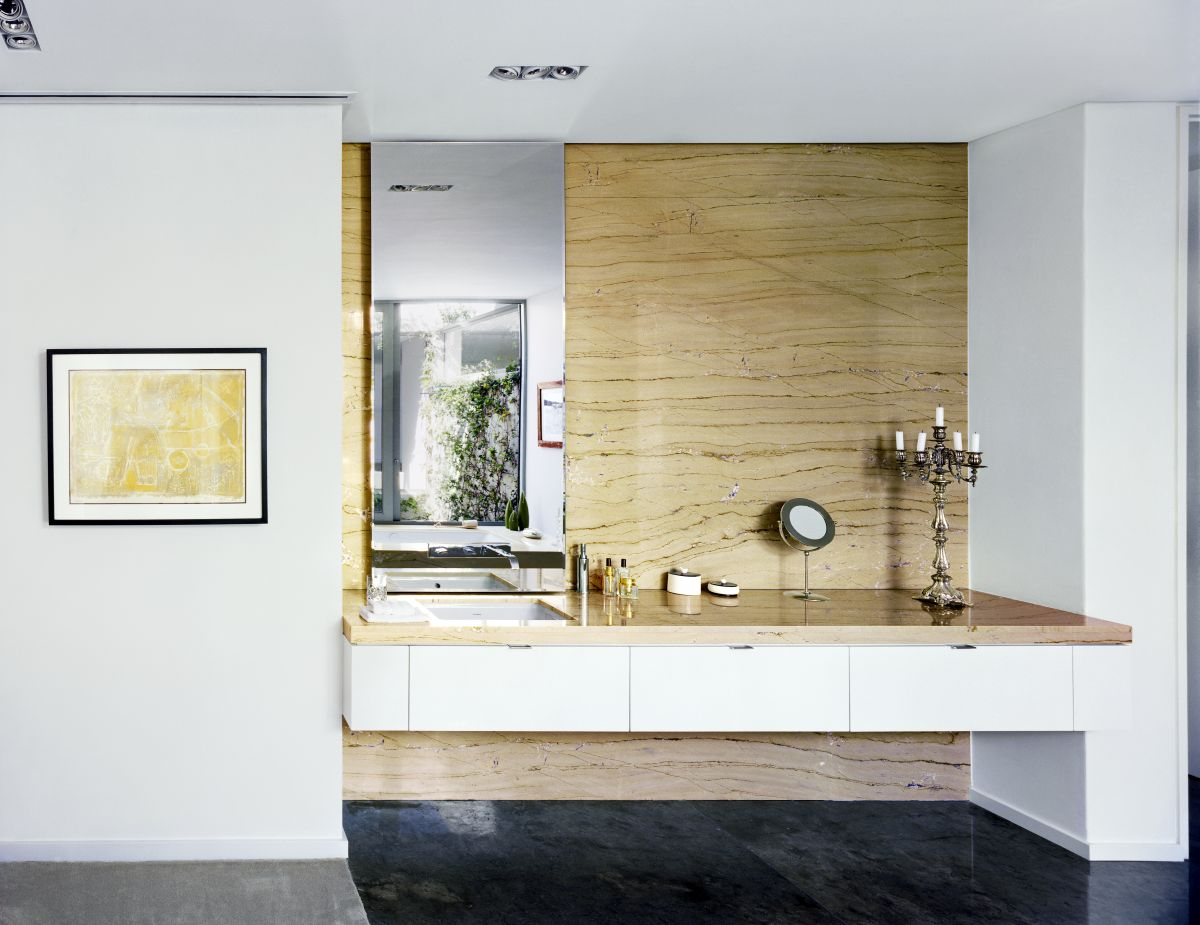 The palette of materials, finishes and colors was carefully selected to suit a sophisticated and minimalist theme