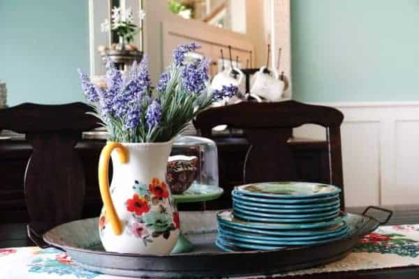 Add Lavender to Your Dining Room Table
