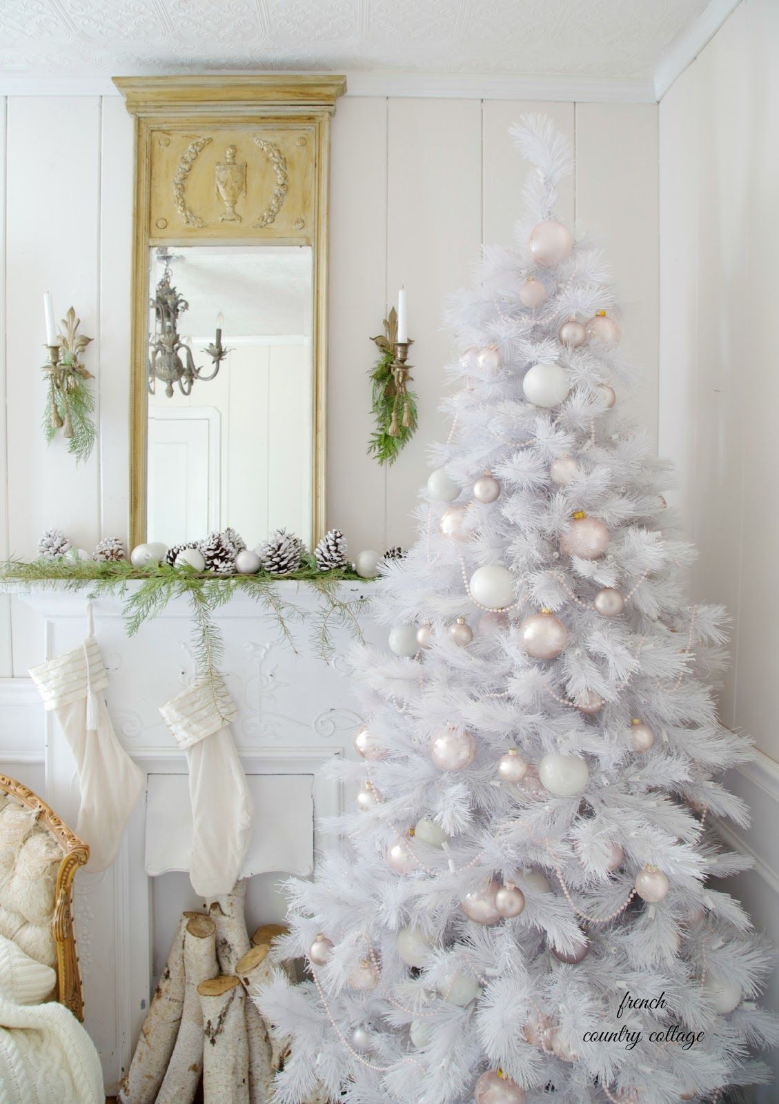 How To Make A White Christmas Tree The Centerpiece Of Your Holiday Decor