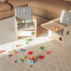 Birch kids chair osit tray