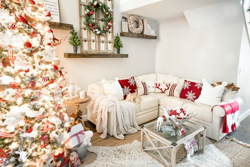Charming Family Friendly Christmas Home Decor Ideas