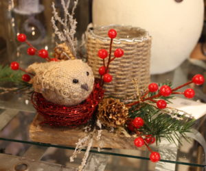 Try Rustic Decorations for a Cozy, Homespun Christmas Tree