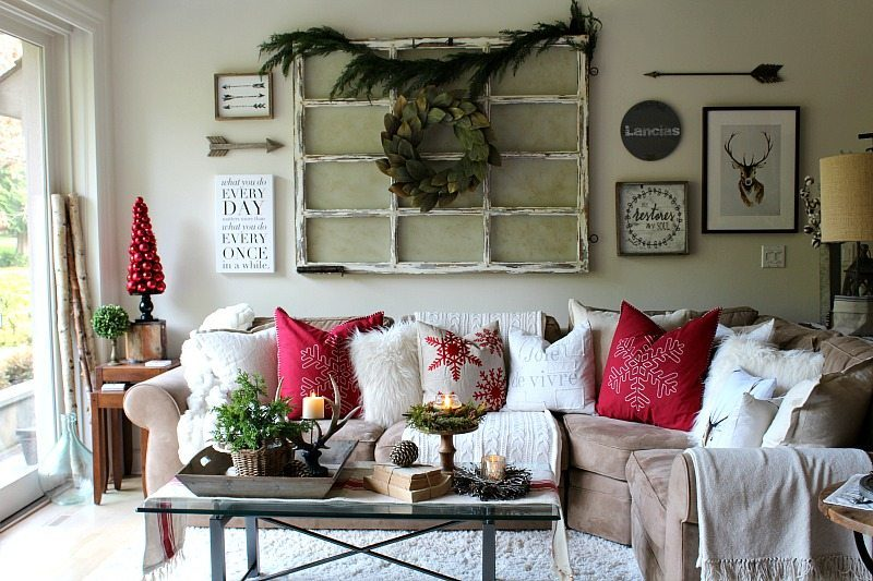 Christmas Wall Decor Concept That Anyone Can Pull Off
