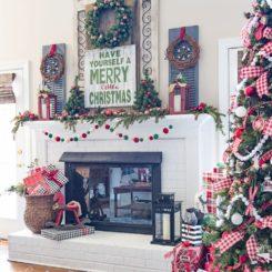Farmhouse Christmas Fireplace Mantel