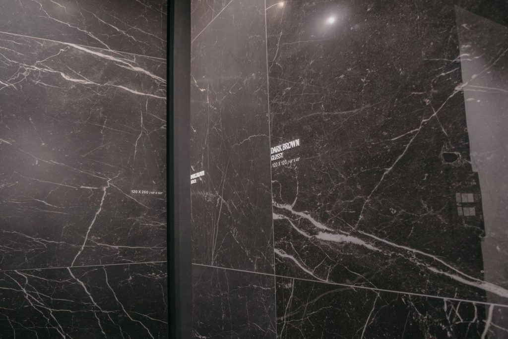 Large format marble tiles provide a clean, fresh look.
