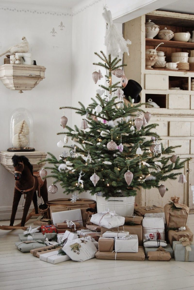 Original Christmas Tree Stand Ideas With DIY Charm