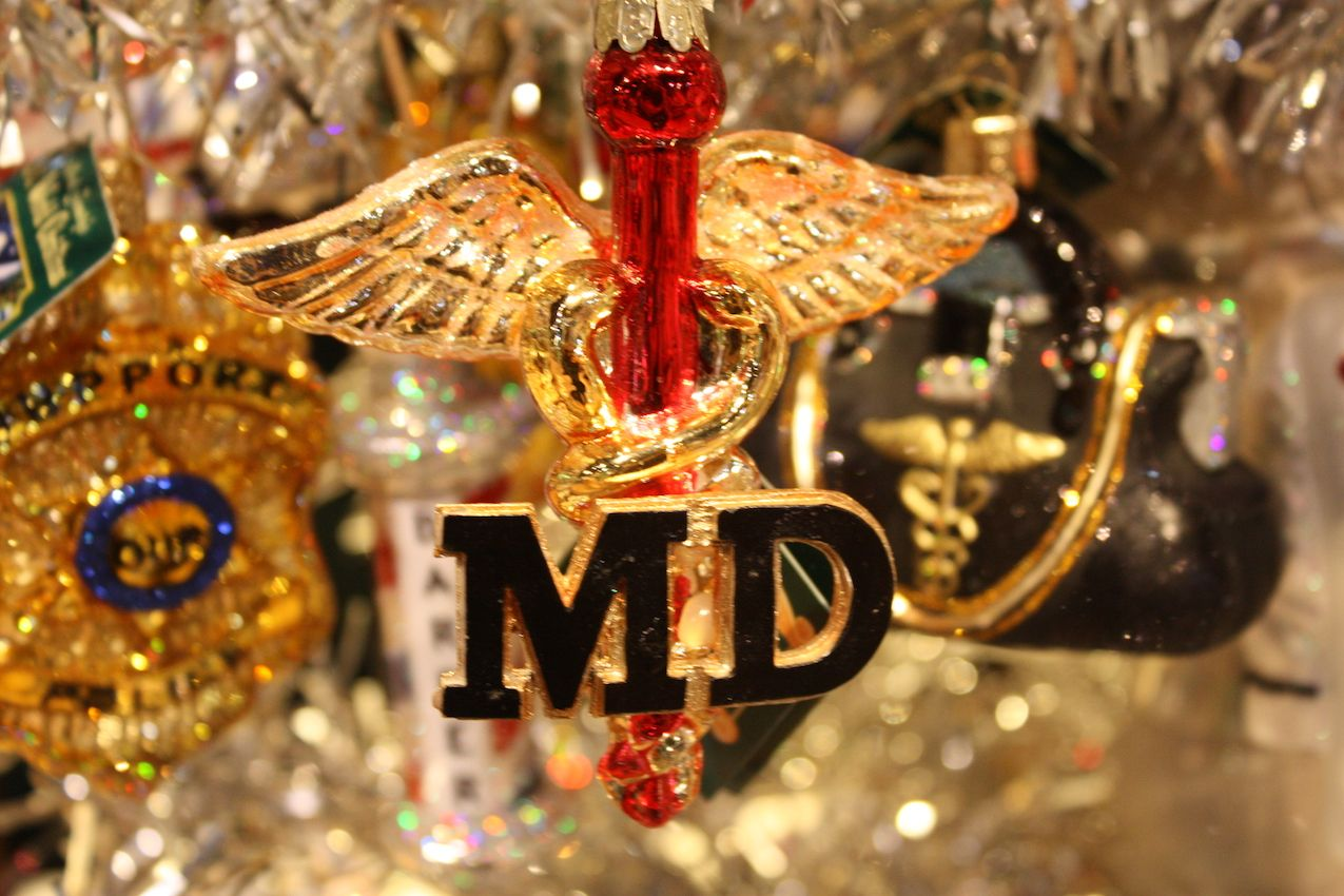 New graduates and established professionals alike will enjoy this kind of ornament.