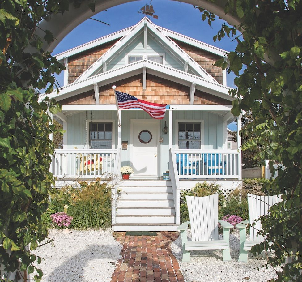 Cottage style is popular for vacation homes.