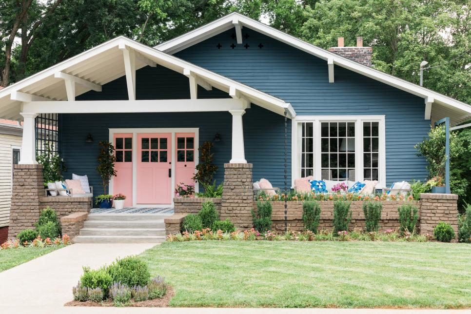 Craftsman style homes have seen a resurgence in popularity.