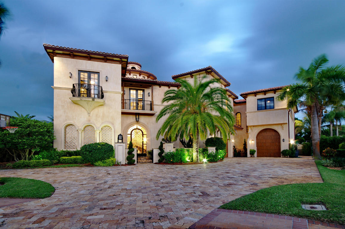 Mediterranean style houses have open floor plans.