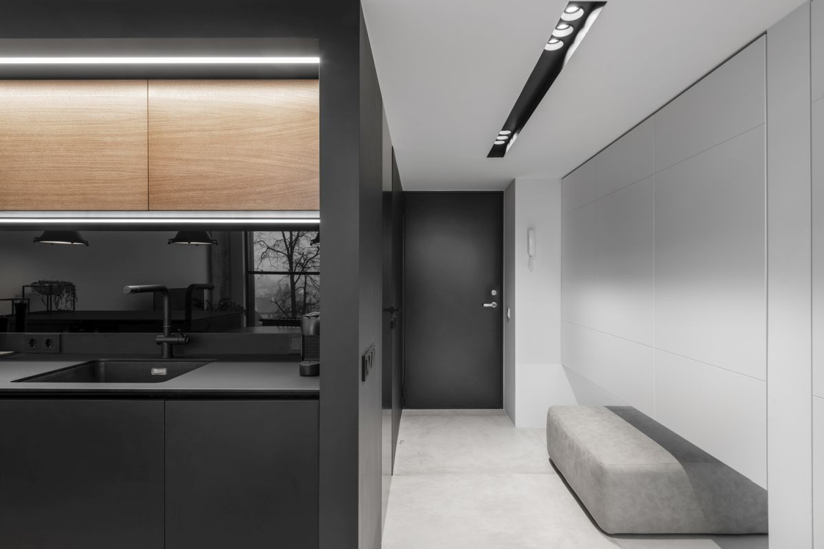 Although the loft measures 64 square meters across, it looks and feels a lot more spacious