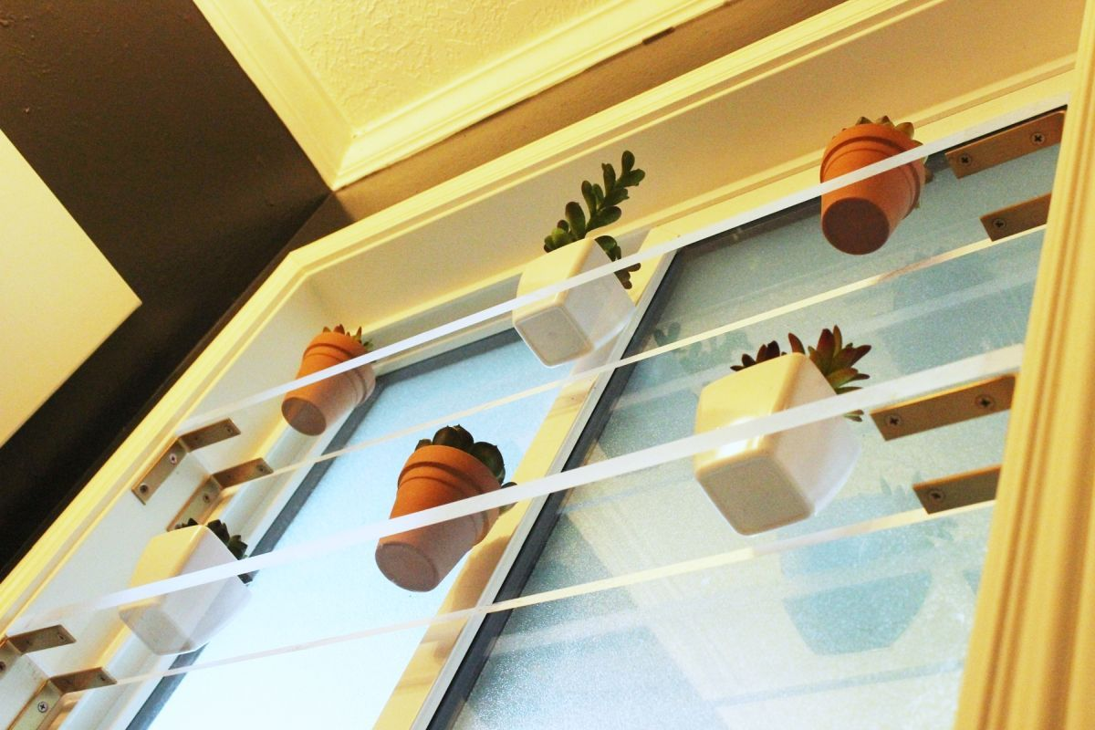 Modern DIY floating shelves