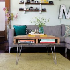 Pallet hairpin coffee table DIY