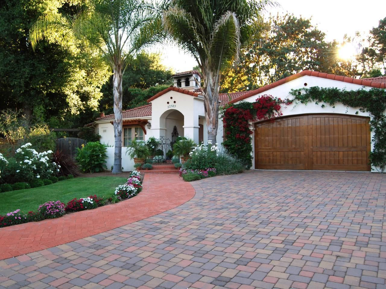 Warm weather areas have many Spanish style homes.