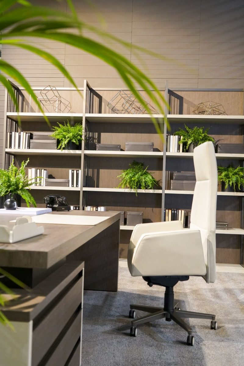 Make Your Workplace More Appealing with These Office Furniture Concept