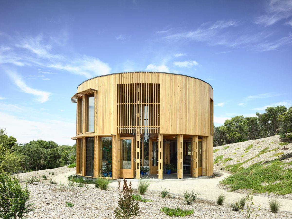 Modern Circular Beach House Nestled Among Australia's Rugged dunes