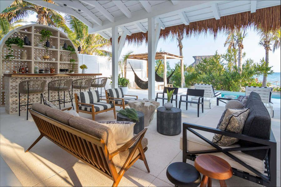 A patio can be a tropical paradise.