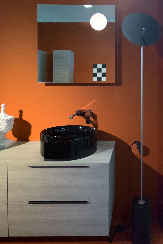 Black wash basin for bathroom