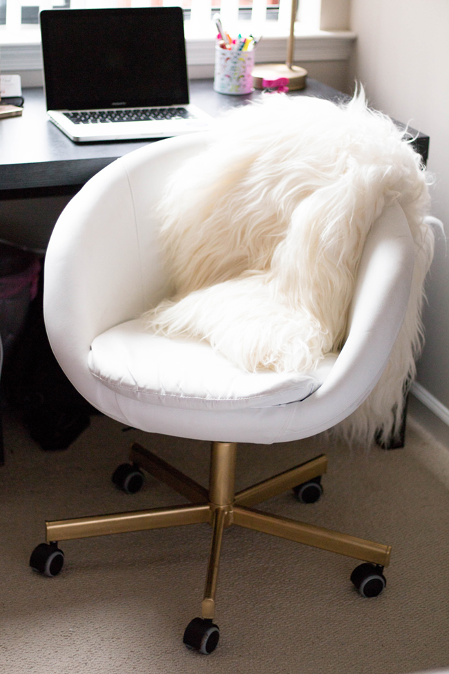 Gold Skruvsta Office Chair