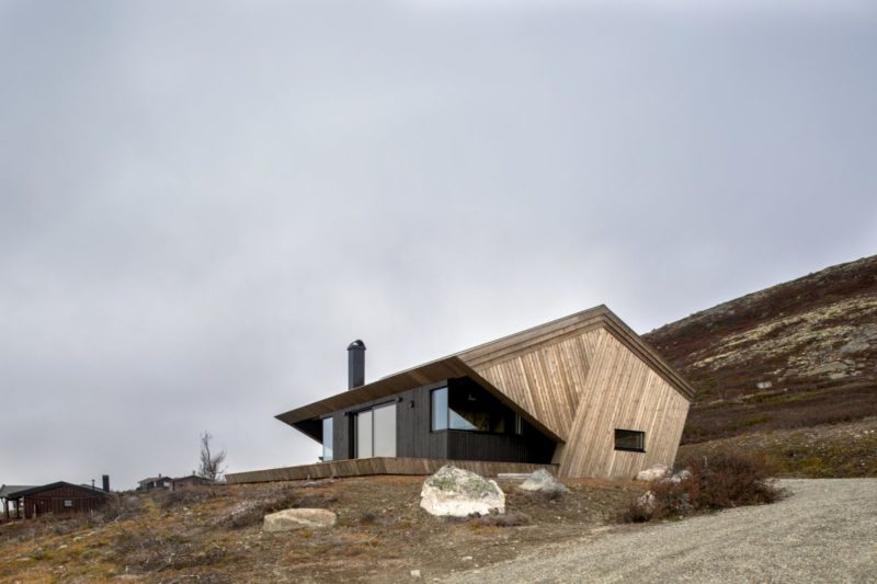 A Little Hooded Cabin Conquers A Secluded Mountain Top Plot