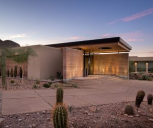 Modern Desert House Celebrates Nature And Local Beauty