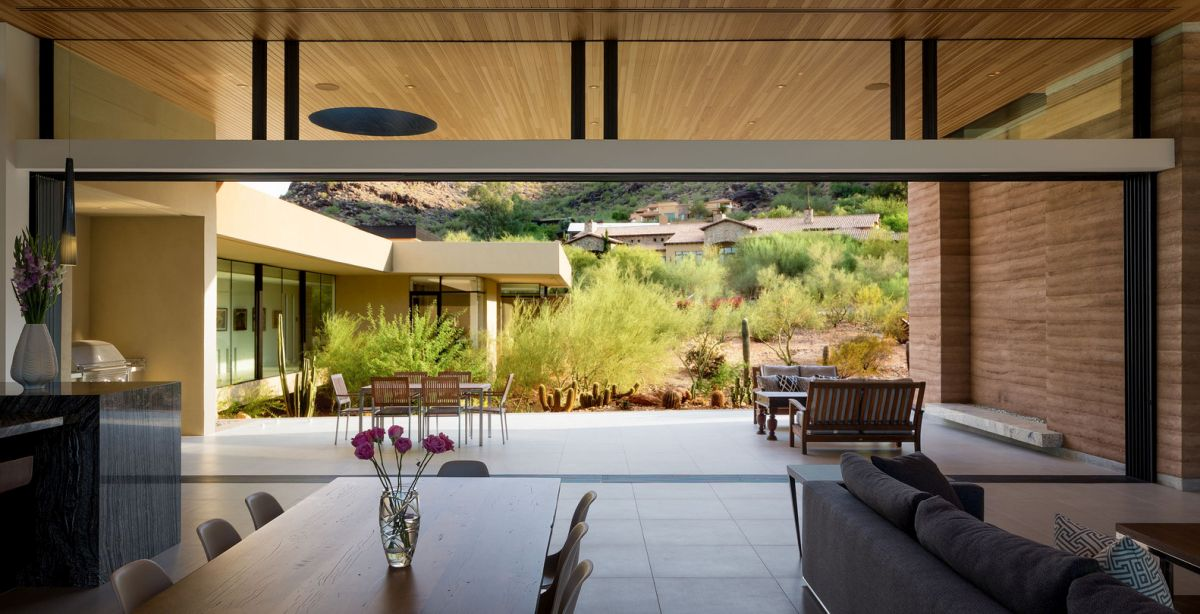 The house is designed to suit everyday life as a family, specifically adapted to the desert region