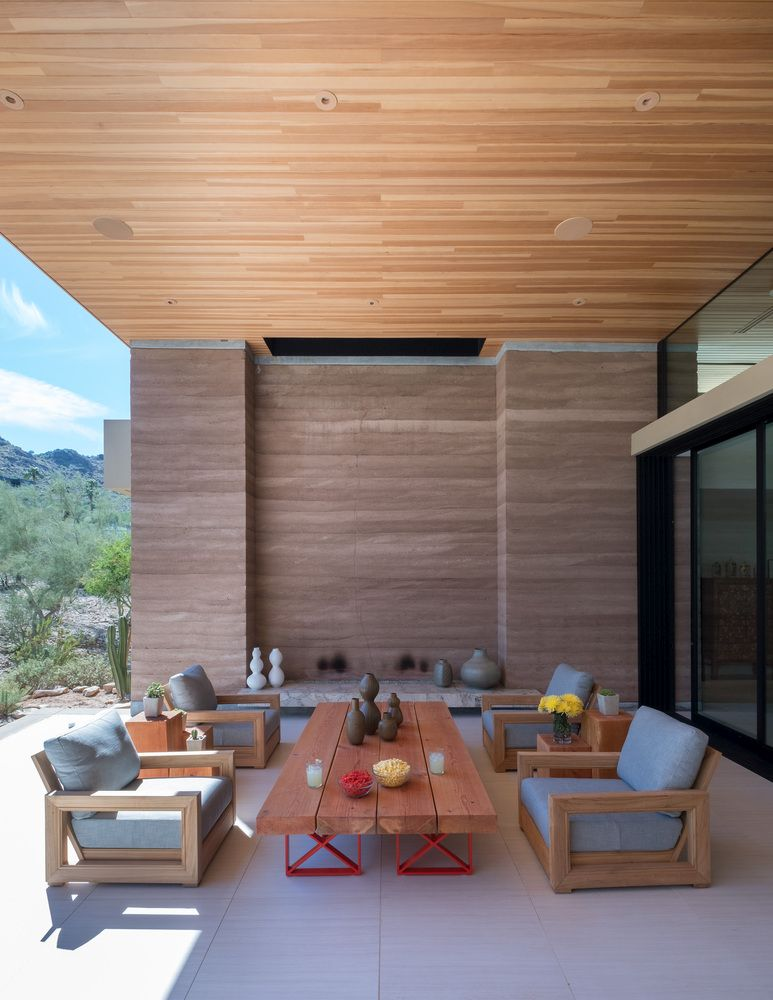 The strong relationship between the house and its surroundings is reflected in how natural areas like this one look