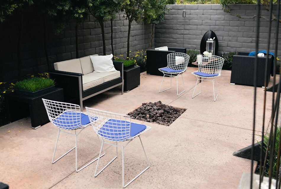 This patio is small but stylish.