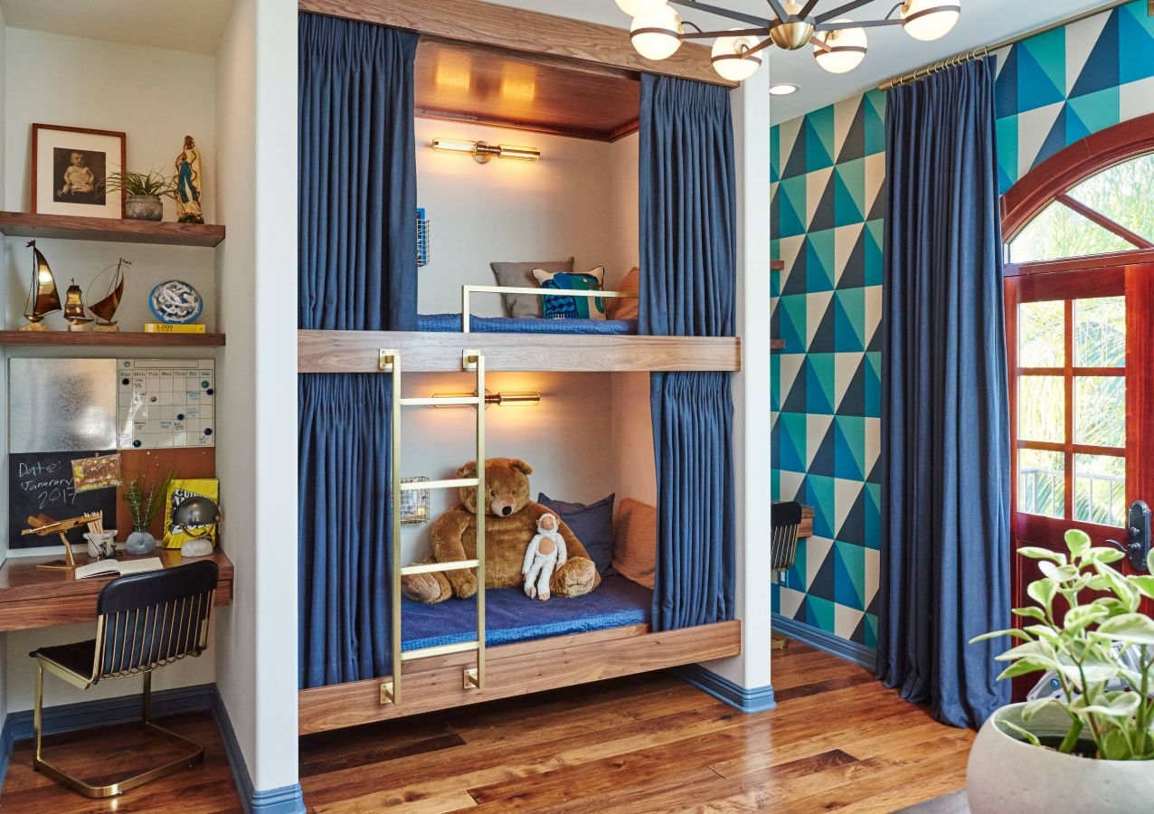 Picture of: Cool Ways To Save Space With Built In Bunk Beds