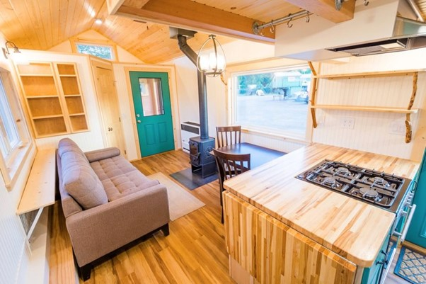 Tiny House with a Mudroom Entryway living area