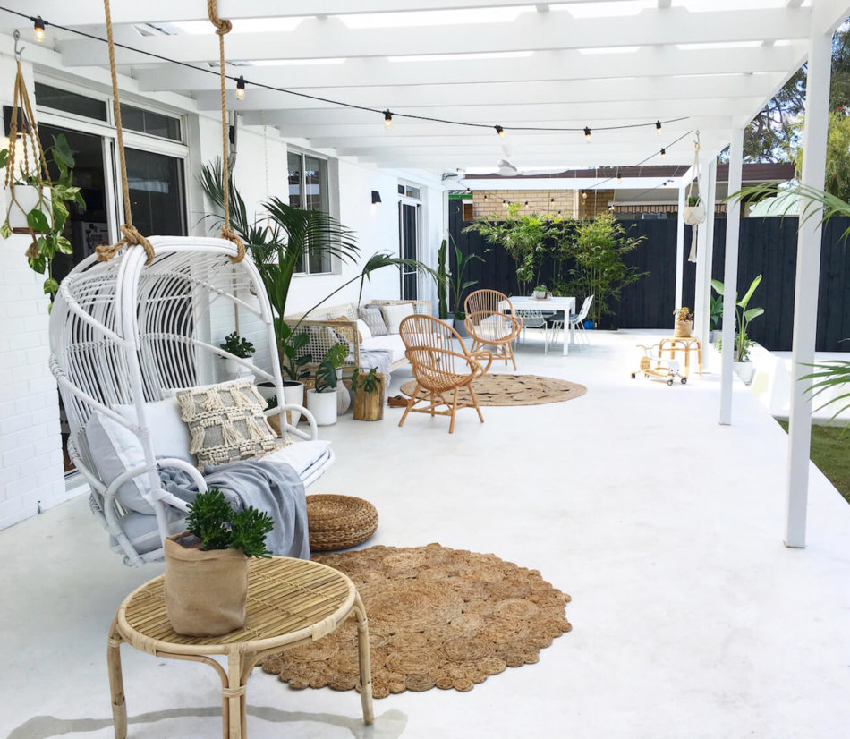An all-white patio feels crisp and fresh.