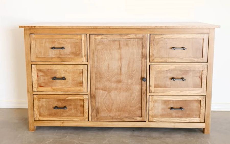 A compact chest of drawers with a retro feel