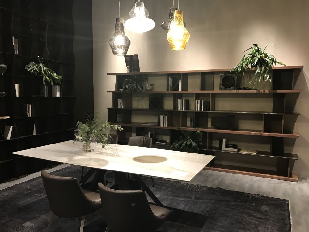 You don't need a large dining table to make a dining room look elegant