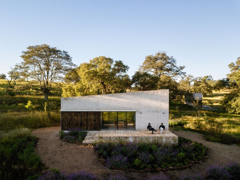The house is meant to be a practical holiday retreat, disconnected from the city and completely immersed in nature