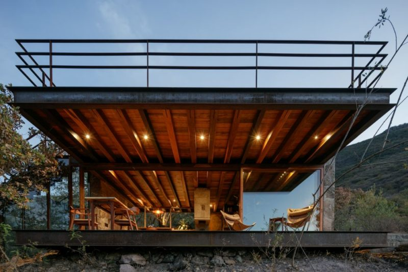 Timeless Mountain Cabin Uses Local Materials To Blend Into The Landscape
