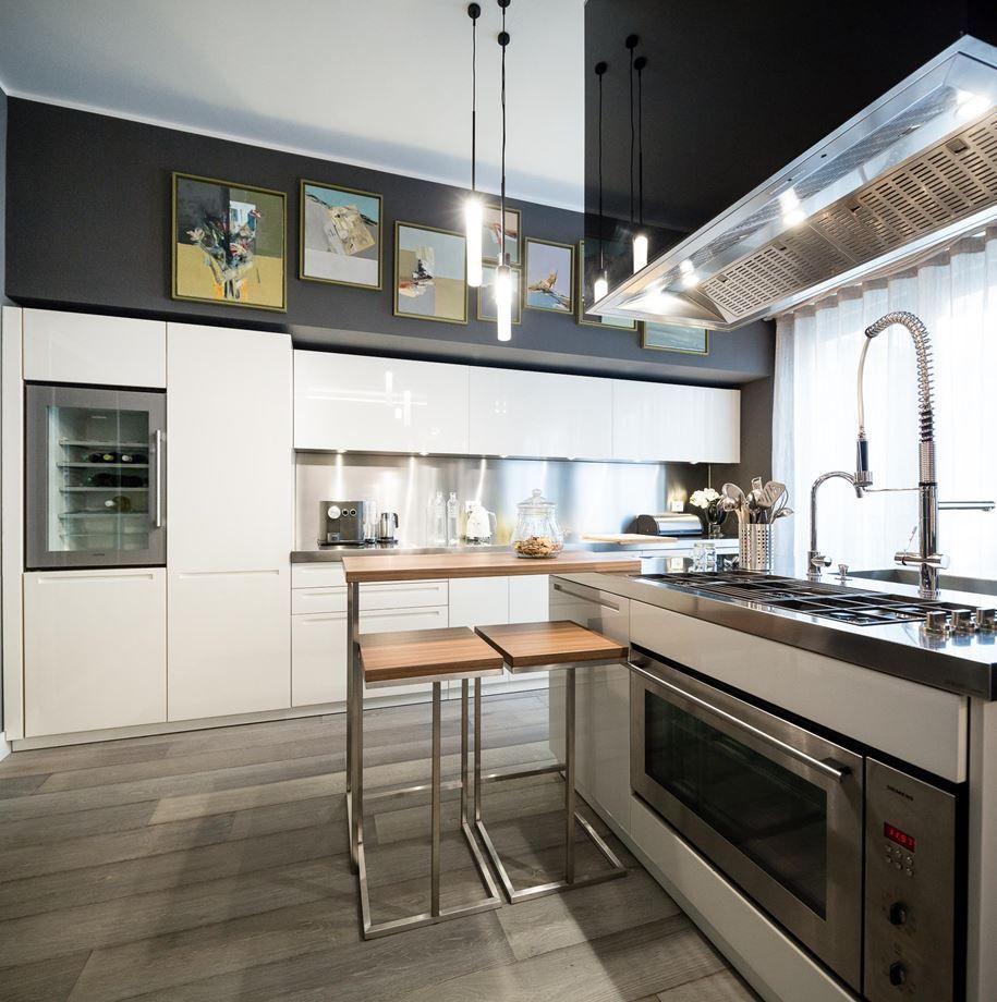 - 10 Elegant Kitchens With Stainless Steel Backsplashes