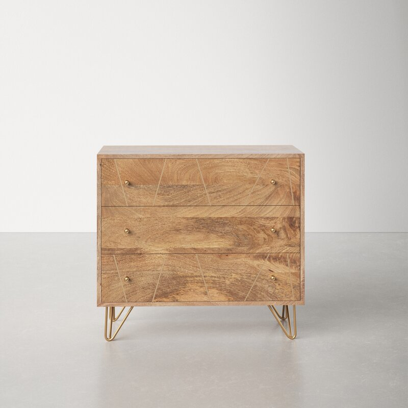 Chest of drawers in solid wood with hairpin legs