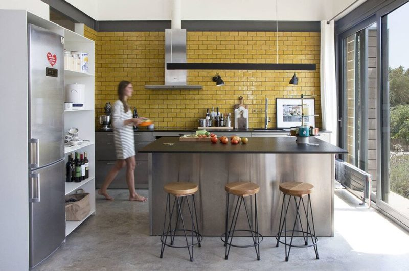 Stylish Kitchens With Timeless Subway Tile Accents