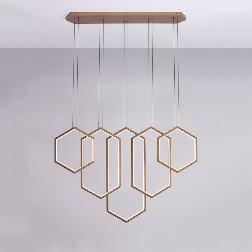 This customizable suspension light is geometric and modern.