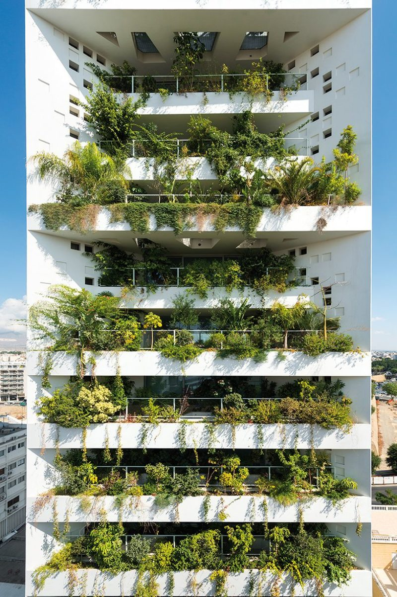 Amazing Living Facades That Take Over Entire Buildings
