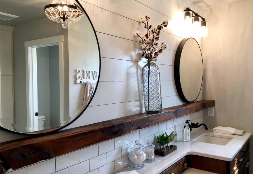 How To Create A Farmhouse Bathroom Decor That Looks And Feels Authentic