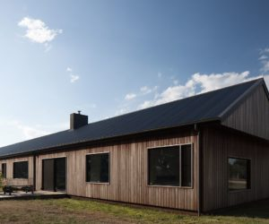 A Modern Barn In Australia Is The Perfect Low-Tech Countryside Retreat