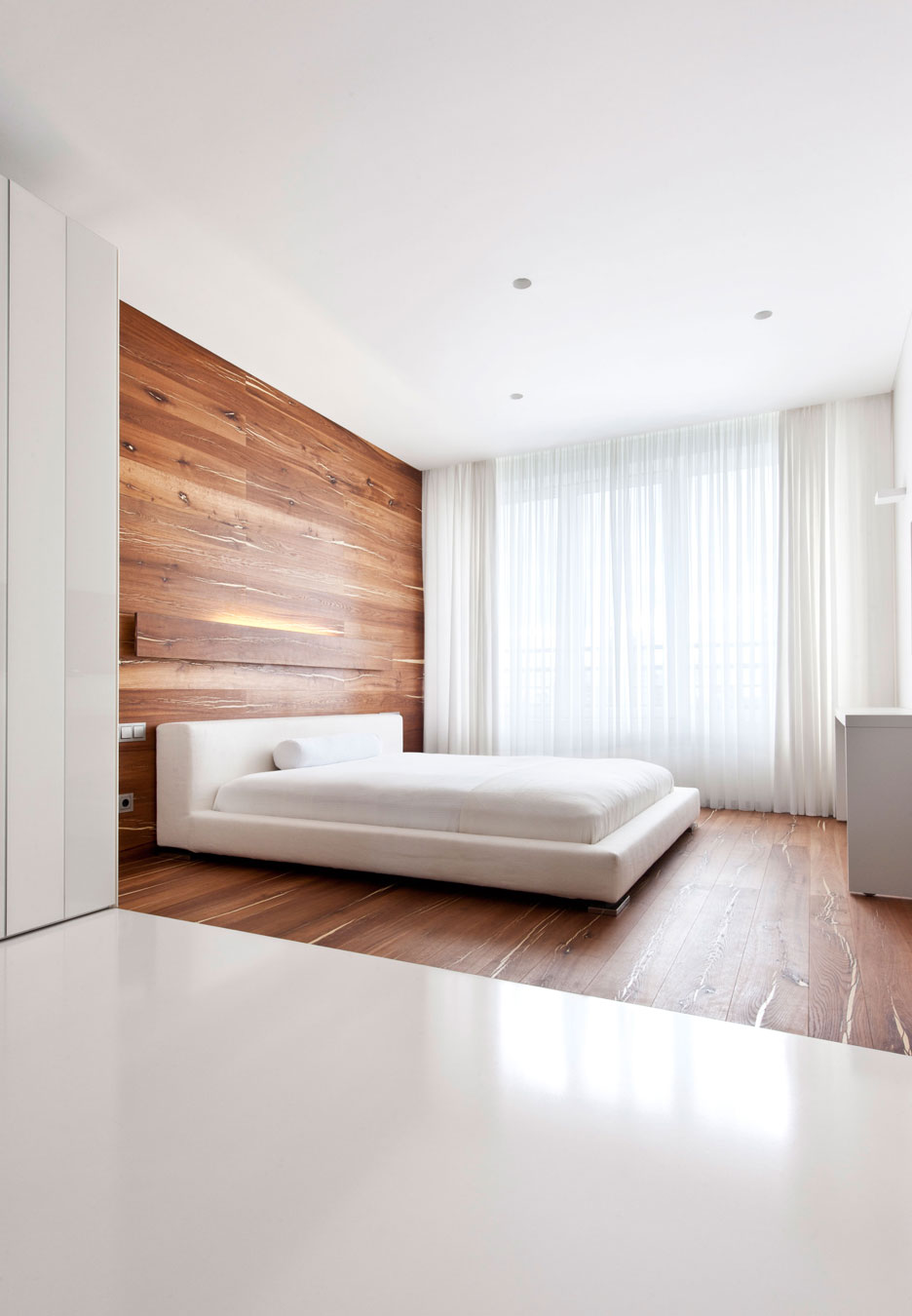 Try a Minimalist Bedroom Design for Less Stress and a Good ...