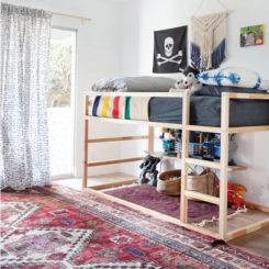 Organize the space under the bed
